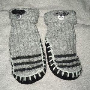 Other - GUC baby boy raccoon design lined slipper socks
